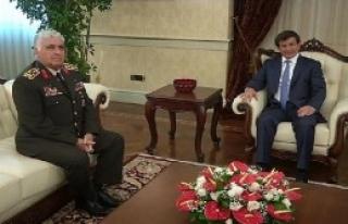 Davutoğlu, Özel'i Kabul Etti