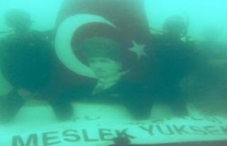 Deniz Altında Çanakkale Zaferi Kutlaması