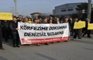 Derince Limanı'na Dolgu Protesto Edildi
