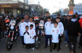 Milli Motosikletçilerden Midyat Ziyareti