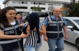 Düzce'de 3 Kadın Hırsızlıktan Gözaltına Alındı