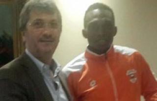 Adanaspor, Uche Kalu'yu Renklerine Bağladı