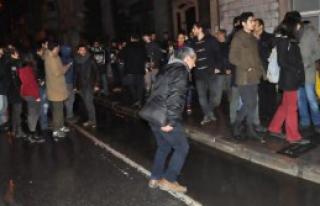 İzmir'de Gruba Müdahale:16 Gözaltı