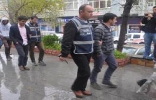 Edirne'de Cemaat Evlerine Operasyon