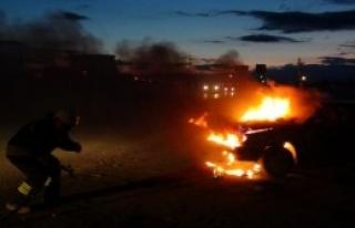 Edirne'de Seyir Halinde Alev Alan Otomobil Yandı