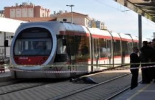 Tramvay Çarpması Sonucu Öldü