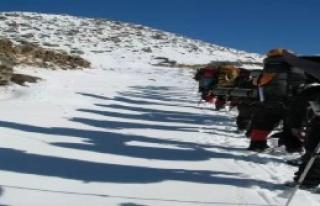 Eksi 40 Derecede Tırmandılar