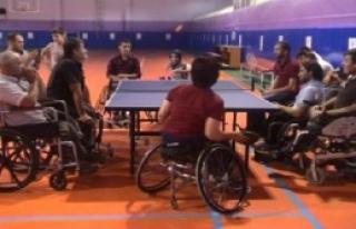 Engellilere Masa Tenisi Eğitimi