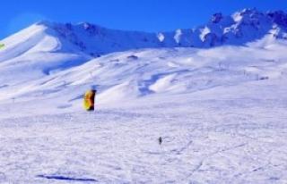 Erciyes'te Kar Uçurtması