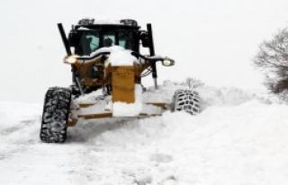 75 Köy Yolu Kardan Kapandı