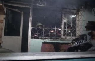 Eski Televizyonun Tüpü Patlayınca Evde Yangın...