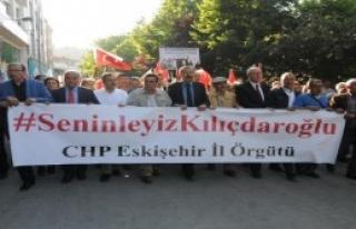 CHP'liler Polis Barikatını Aşıp Yürüdü