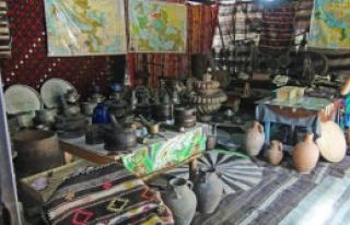 Evinin Bahçesinde Yörük Müzesi Kurdu