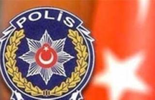 İzmir'de 12 Gözaltı