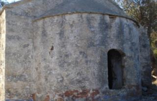 Tarihi Kilisede Yıkılma Tehlikesi