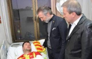 Göztepe'den Yaralı Taraftarına Ziyaret