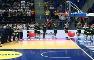 Fenerbahçe Avrupa 3'üncüsü Oldu
