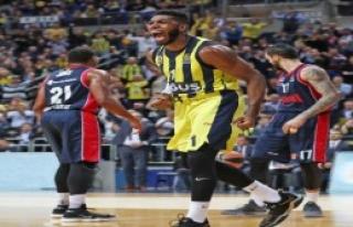 Fenerbahçe Doğuş Evinde Güldü