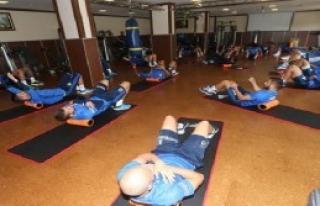 Fenerbahçe, İlk Antrenmanını Yaptı