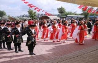 FETÖ'den El Konulan Okula Mehterli Açılış