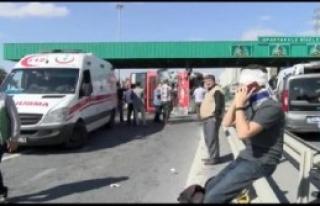 Bahçeşehir'de Belediye Otobüsü Devrildi