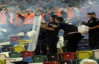 Galatasaray-Fenerbahçe: 48-52