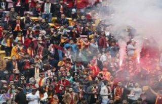 Galatasaray taraftarından derbi öncesi coşkulu...