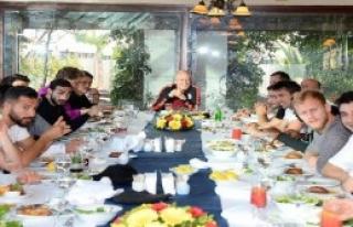 Galatasaray Yemekte Buluştu