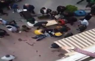 Gençleri Uyarınca Bıçaklandı