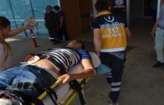 Gençlerin Kavgasında Kan Aktı 1 Ağır Yaralı