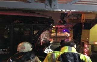 Metrobüs Kazası; 11 Yaralı