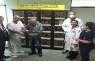Hastaneye Kütüphane Bağışlandı