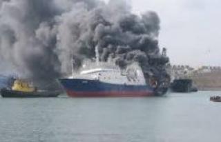 Hazar'da Rus Gemisi Yandı