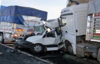 Hilvan'da Zincirleme Kaza: 2 Yaralı