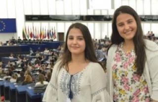 İkiz Koçak Kardeşler Türkiye'yi AP'de Temsil Etti