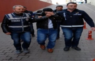 Profesörü Dolandıran 2 Kişi Tutuklandı