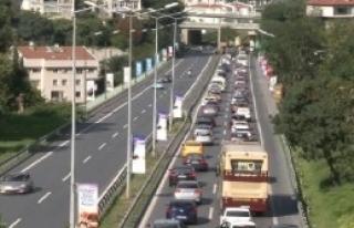 İstanbul Trafiğinde Bayram Ziyareti Yoğunluğu
