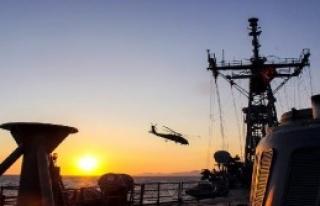 Akdeniz'deki Bulanan Savaş Gemileri
