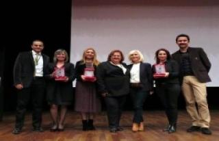 İzmir Büyük Ödülü Aldı