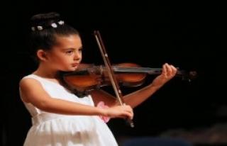 İzmir'de Çok Sesli Çocuk Korosu Kurulacak