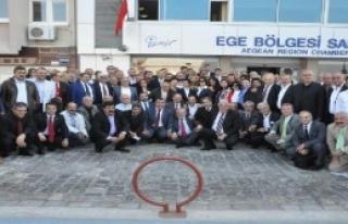 İzmir'de 'çözüm Sokakta Değil Tbmm'de' Çağrısı