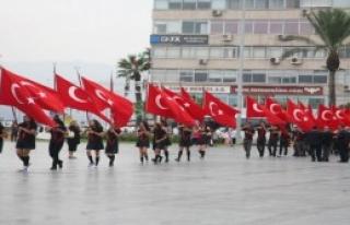 İzmir'de Ders Zili Çaldı