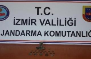 İzmir'de Tarihi Eser Kaçakçısı Özbek Kadına...