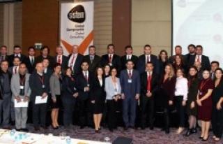 İzmir'i Yeni Bir Gelecek Bekliyor