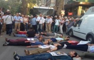 İzmit'te Barış Bloku'nun Barış Yürüyüşü'nde...