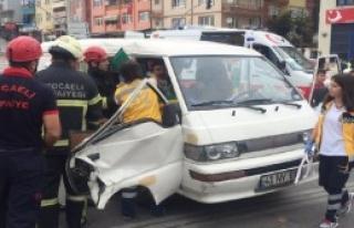 İzmit'te Zincirleme Kaza: 4 Yaralı
