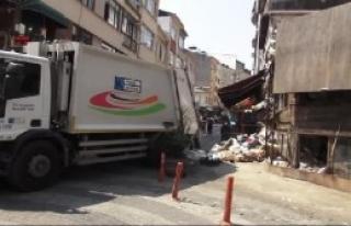 Binadan 10 Kamyon Dolusu Çöp Çıktı