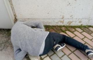 Gencin Elinde Uyuşturucu Bulundu