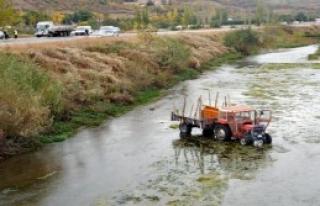 Traktör, Yeşilırmak'a Girdi