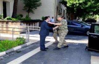 Orgeneral Çolak, Diyarbakır'da